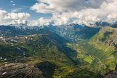 北欧风味峡湾,从 dalsnibba 山,挪威的视图 — 图库照片