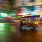 Tuk-tuk in motion blur, Bangkok, Thailand — Stock Photo #17419941