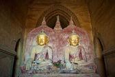 Buda heykelleri dhammayangyi tapınağı, bagan, myanmar — Stok fotoğraf