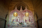 Buddha statues in the Dhammayangyi Temple, Bagan, Myanmar — Foto de Stock