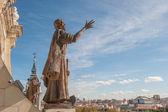 Socha v katedrále svaté marie královské la almudena — ストック写真