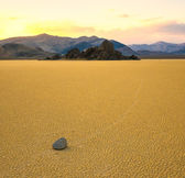 Sailing stones in the Racetrack Playa, Death Valley, California — Stock Photo