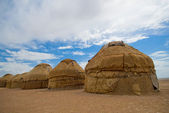 Yurtas, traditional houses of asian nomades — Stock Photo