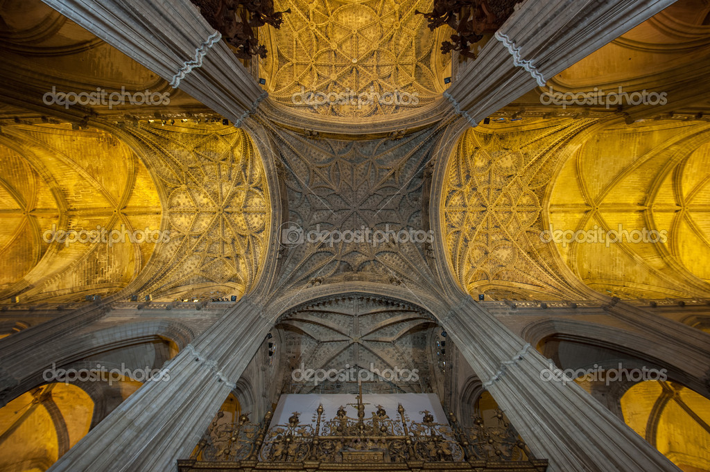 Interior of Seville Cathedral, Spain — Stock Photo #17420591