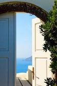 Door open to the sea — Stock Photo