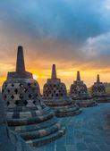 Templo de borobudur en amanecer, java, indonesia — Foto de Stock