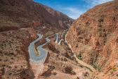 Winding road in Dades gorge, Morocco — Stock Photo