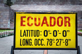 Zero latitude sign at Mitad del Mundo, Ecuador — Stock Photo