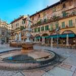 Piazza delle Erbe and Palazzo Maffei, Verona, Italy — Stock Photo #34361435