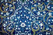 Gekachelte hintergründe, orientalische ornamente von moschee von isfahan, iran — Stockfoto