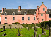 Abbot House from Dunfermline Abbey Cemetery, Fife, Scotland — Stock Photo