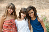 Portret van drie cute tiener meisjes. — Stockfoto