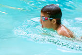 Young boy swimming. — Stock Photo