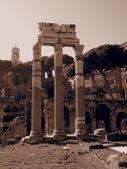 Restos de colunas romanas — Foto Stock