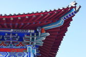 The Long Shou Shan Temple (Heihe). Corner of roof close up. — Stock Photo