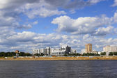 Blagoveshchensk (Russia). View from the Amur River on a summer cloudy day — Stock Photo