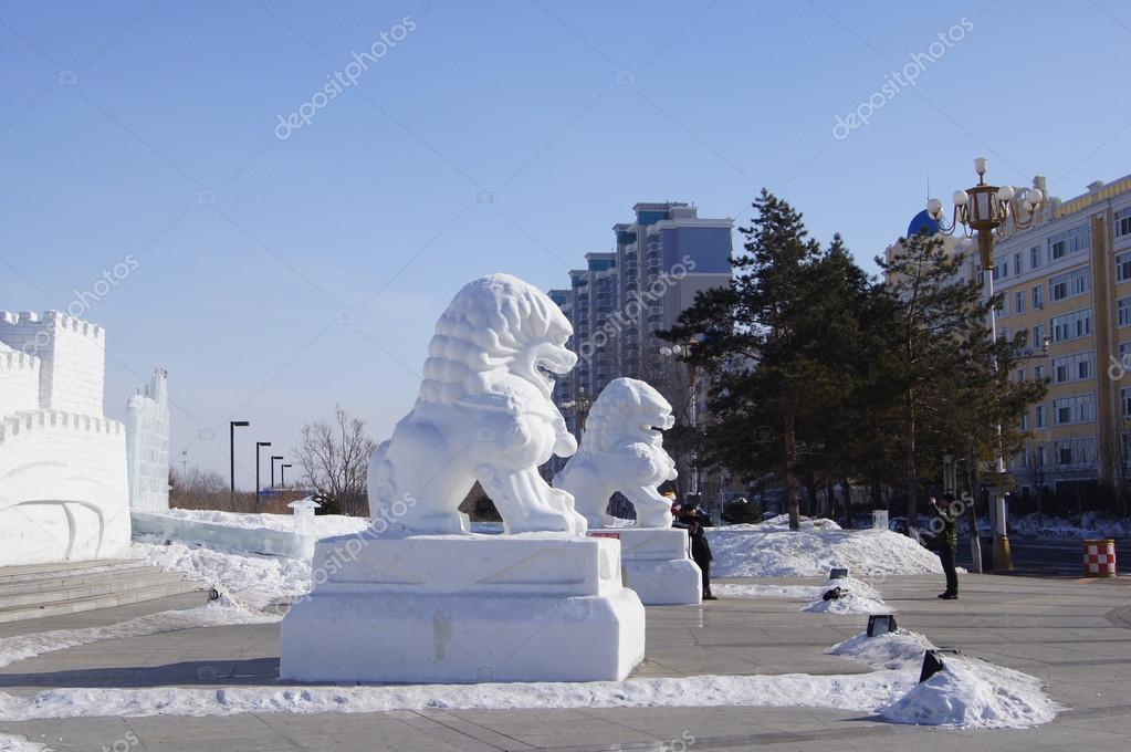 Heihe China  city photos gallery : ... 21919155 Snow sculpture of lions. Town of Heihe China