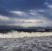 Big Atlantic waves during a stormy weather in County Kerry, Ireland — Stock Photo