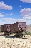 2 vintage gold & silver ore carts — Stock Photo