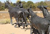 Black life sized bronze mule train statue 2 — Foto Stock