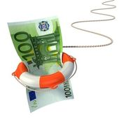 Lifebuoy saving euro 3d concept - euro crisis — Stock Photo
