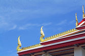 Thai art on Church roof. — Stock Photo