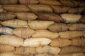 Zakken vol van koffie — Stockfoto