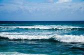 Visualizzazione delle onde dell'oceano blu — Foto Stock