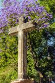 Каменный крест — Стоковое фото