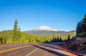 Highway and Mount Bachelor — Stock Photo