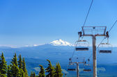 Mount Jefferson and Chairlifts — Stock Photo