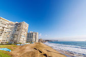 Beach and Apartment Buildings — Stock Photo