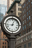 Historic clock of the 5th avenue (NYC) — Stock Photo