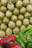 Fresh artichoke for sale in the market. — Foto de Stock