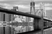 Monochromatic view of Brooklyn Bridge — Stock Photo