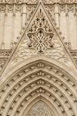 Eingangsportal der gotischen Kathedrale von barcelona — Stockfoto