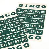 Zielone bingo karty na białym tle — Zdjęcie stockowe
