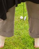 Jugador de golf golpeando la bola — Foto de Stock