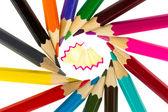 Çok renkli kalemler ve talaş — Stok fotoğraf