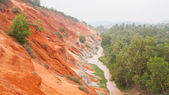 Ham Tien canyon in Vietnam, covert in fog — Stock Photo