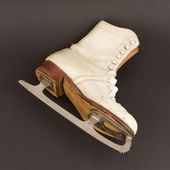 Very old figure skate — Stock Photo