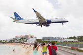 ST MARTIN, ANTILLES - JULY 19, 2013: JetBlue is the fastest grow — Stock Photo