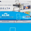 AMSTERDAM - SEPTEMBER 6: KLM and Delta Airlines planes at Schiph — Stock Photo #32169601