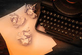 Close-up of an old typewriter with paper — Foto de Stock