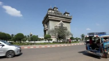Patuxai in Vientiane, Laos — Stock Video