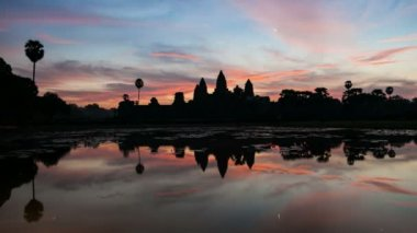 Timelapse of Angkor Wat at Sunrise — Stock Video