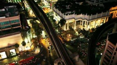 TOP VIEW OF NIGHT TRAFFIC IN BANGKOK — Stock Video