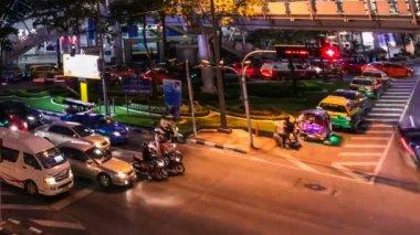Lapso de tiempo de noche colorida tráfico - bangkok — Vídeo de stock