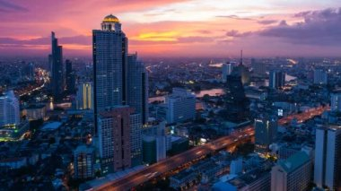 TIMELAPSE OF BANGKOK SKYLINE AT SUNSET — Stock Video