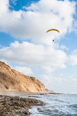 Flying paraglider — Stock Photo